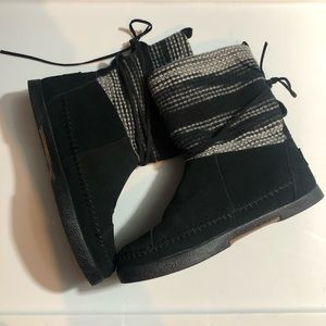 Toms Nepal boots size 7